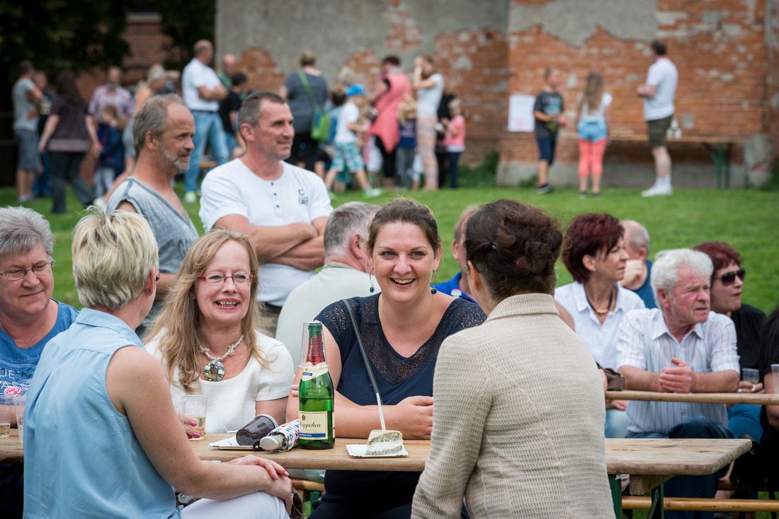 20160820-SommerfestSchloosVarchentin-351